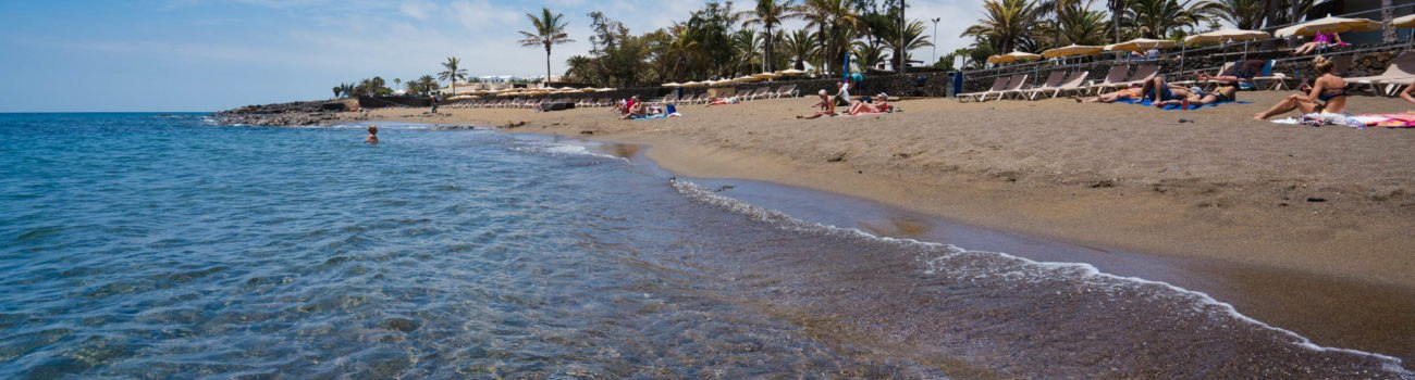 Agua transparente en Playa Bastián - Costa Teguise.