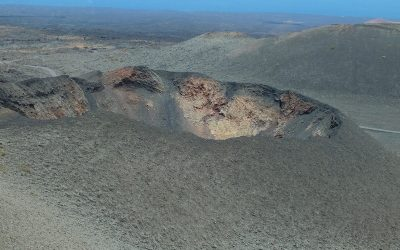 volcan-crater