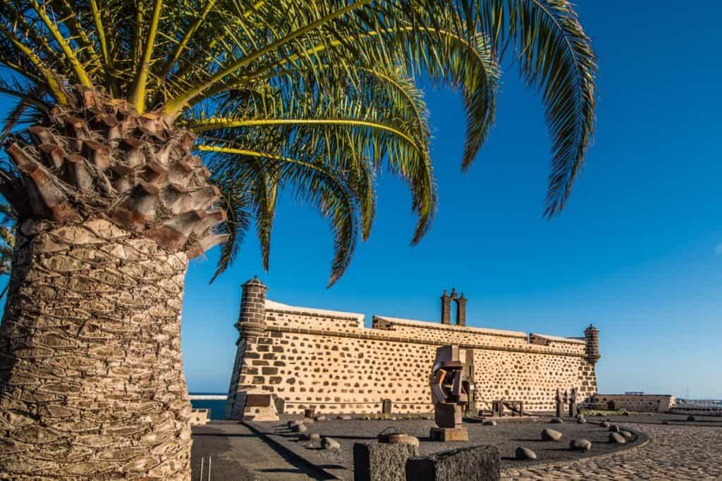 Castillo de San José - Museo Internacional de Arte Contemporáneo -Turismo Lanzarote