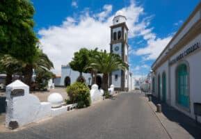 Turismo Lanzarote- Plaza Las Palmas e Iglesia de San Ginés, Arrecife.